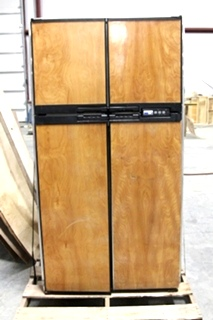 USED RV/MOTORHOME REFRIGERATOR WOODEN FINISH WITH ICE MAKER. MODEL: 1200LRIM S/N: 689530FB