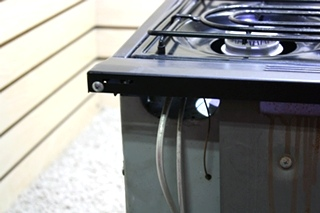 USED RV R-W1730BBP WEDGEWOOD BY ATWOOD 3 BURNER OVEN FOR SALE