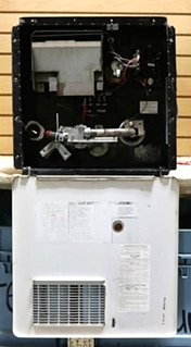 USED ATWOOD 10 GALLON GC10A-4E MOTORHOME WATER HEATER FOR SALE